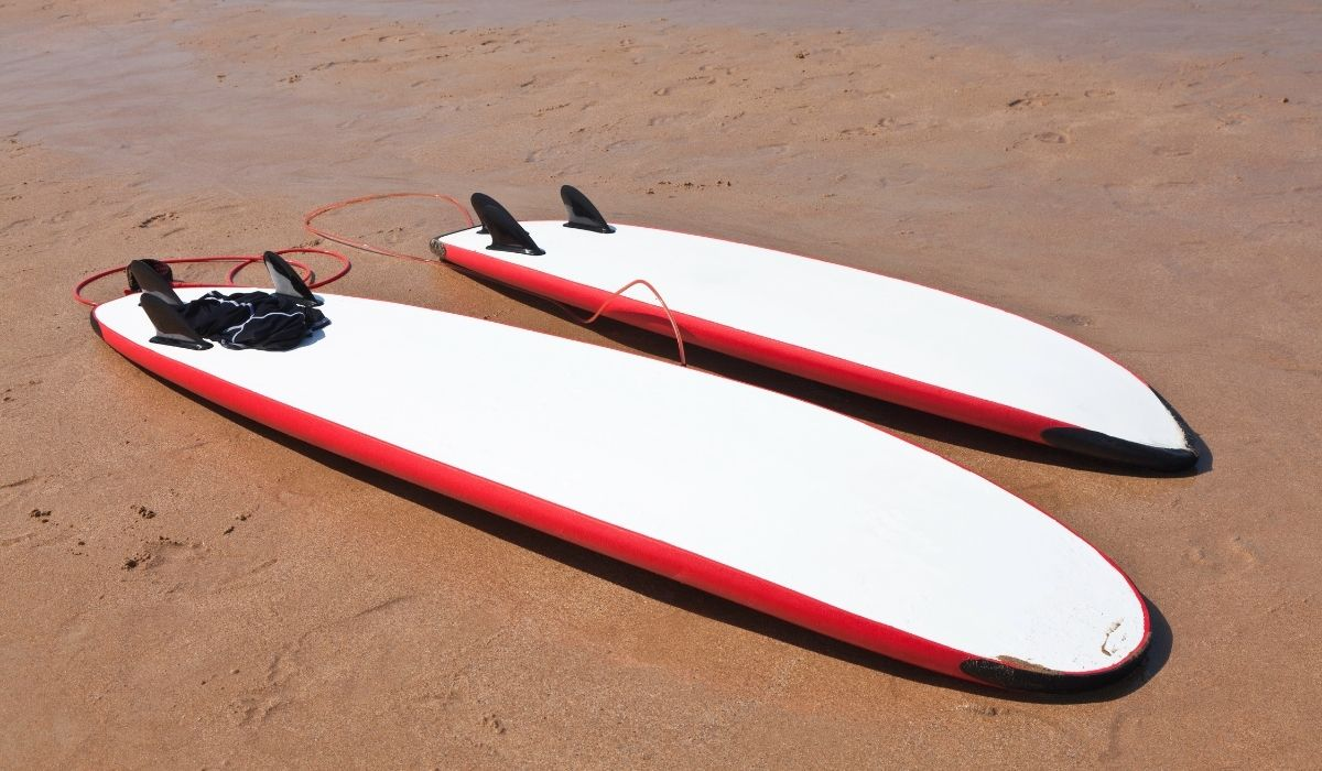 Two-Surftboards-With-Different-Size