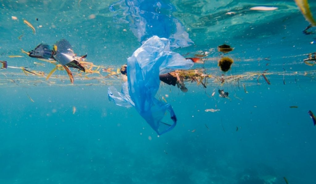 water pollution, trash in the ocean
